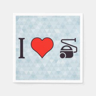 I corazón usando las herramientas de un vacío servilletas de papel