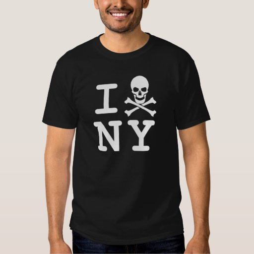I (cráneo y bandera pirata) NY (pequeño logotipo) Playera