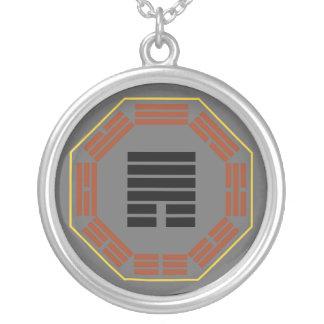 """I cuba """"retratamiento """" del Hexagram 33 de Ching Colgante Redondo"""