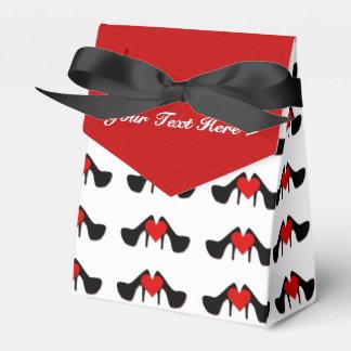 I el corazón calza la caja del favor del modelo caja para regalos de fiestas
