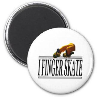 I FINGER SKATE 2 INCH ROUND MAGNET