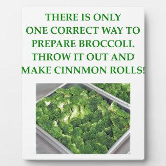 i hate broccoli display plaques