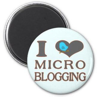 I Heart Micro Blogging 2 Inch Round Magnet