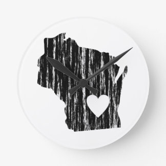 I Heart Wisconsin Grunge Worn Outline State Love Round Clock