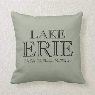 I heat Lake Erie Throw Pillow