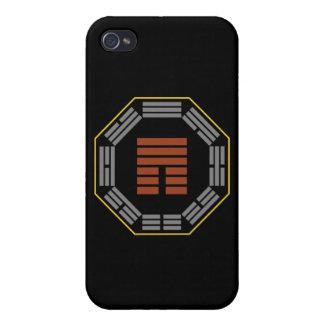 """I Hexagram 12 P'i """"obstrucción """" de Ching iPhone 4 Cárcasa"""