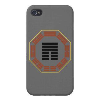 """I Hexagram 12 P'i """"obstrucción """" de Ching iPhone 4 Coberturas"""