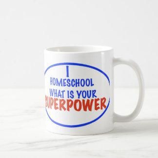¡I Homeschool cuál es su superpotencia! Taza Básica Blanca