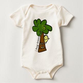 I Hug Trees: Organic Baby Baby Bodysuit