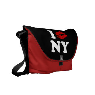 I Kiss New York Messenger Bag