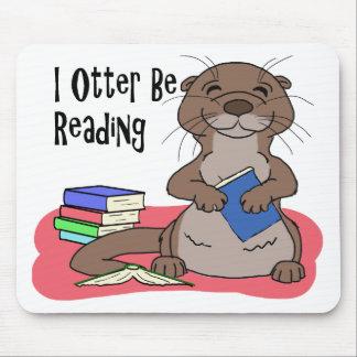 I la nutria esté leyendo tapete de ratones