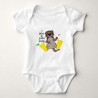 I la nutria sea buceo con escafandra body para bebé