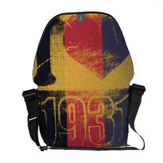 I love 1931 -  Pop art vintage - Messenger Bag