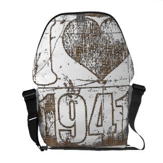 I love 1941 - Brown pixel vintage - Messenger Bags