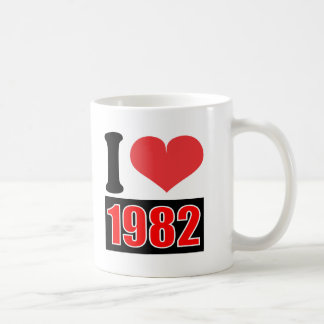 I love 1982 - Mugs