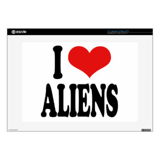 "I Love Aliens 15"" Laptop Skin"
