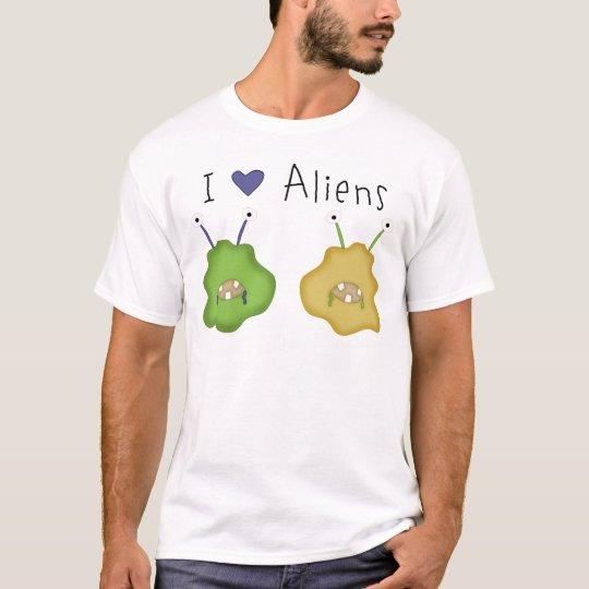 I Love Aliens T-Shirt