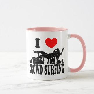 I Love Crowd Surfing (female) (blk) Mug