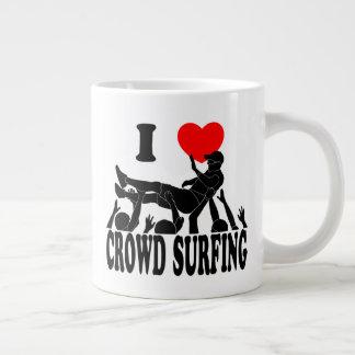I Love Crowd Surfing (male) (blk) Large Coffee Mug