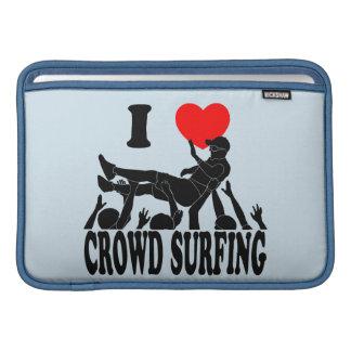 I Love Crowd Surfing (male) (blk) MacBook Air Sleeve