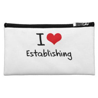 I love Establishing Cosmetics Bags