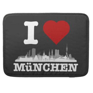 I Love Munich city of skyline - MacBook Pro Sleeve