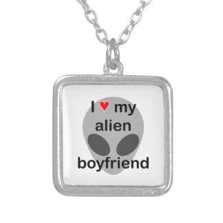 I love my alien boyfriend necklace
