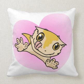 """I Love My Crestie"" Cute Crested Gecko Heart Throw Pillows"