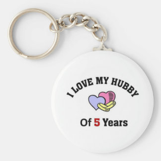 I love my hubby of 5 years basic round button keychain