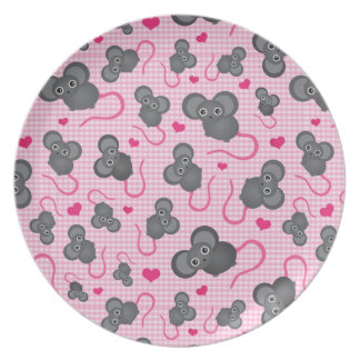 I love my mouse pattern in pink melamine plate