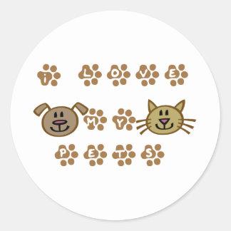 I love my pets paw prints round stickers