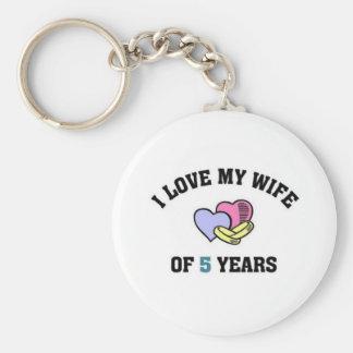 I love my wife of 5 years keychain