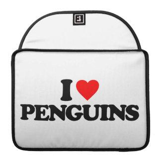 I LOVE PENGUINS MacBook PRO SLEEVES