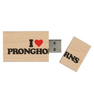 I LOVE PRONGHORNS WOOD USB FLASH DRIVE