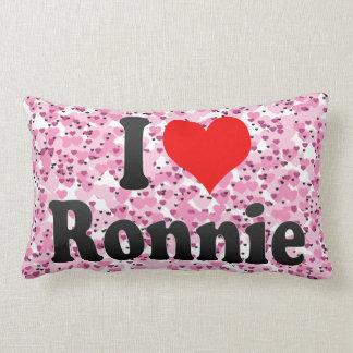 I love Ronnie Throw Pillow