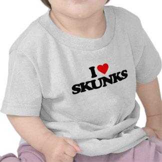 I LOVE SKUNKS T-SHIRTS