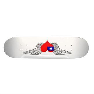 I Love Taiwan -wings Skateboard