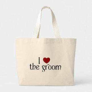 I love the groom bags