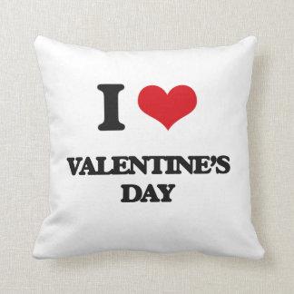 I love Valentine'S Day Pillows