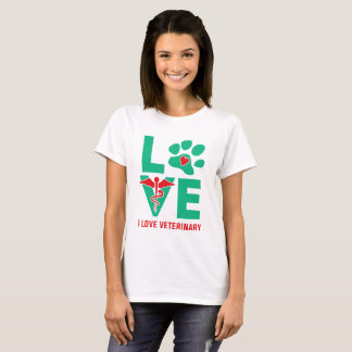 I love Veterinary Women's T-shirt