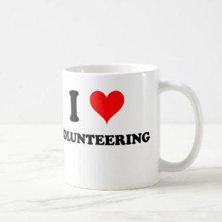 I Love Volunteering Coffee Mug