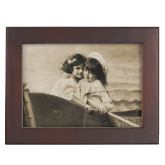 I love you .. Vintage Sisters Jewelry/Keepsake Box Memory Boxes