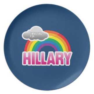 I M VOTING FOR HILLARY WITH PRIDE DINNER PLATE