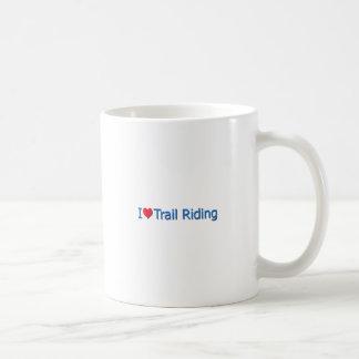 I montar a caballo de rastro del corazón amor tazas de café
