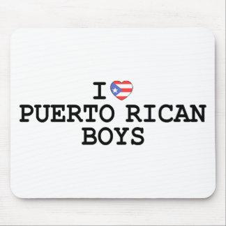 I muchachos del puertorriqueño del corazón alfombrillas de ratones