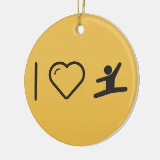 I obstáculos del gimnasta del corazón adorno navideño redondo de cerámica