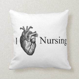 I oficio de enfermera del corazón almohadas