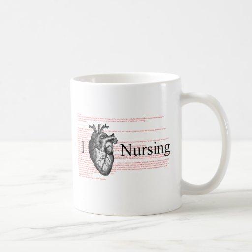 I oficio de enfermera del corazón taza básica blanca