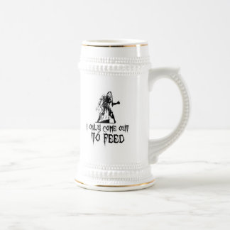 I Only Come Out To Feed Retro Zombie 18 Oz Beer Stein