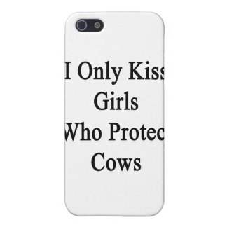 I Only Kiss Girls Who Protect Cows iPhone SE/5/5s Cover